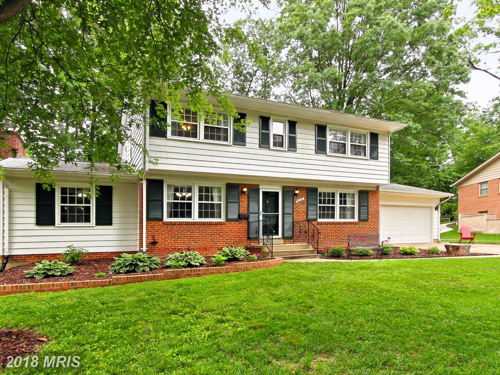 $650,000 For This Striking Colonial Home On The Market In Springfield thumbnail