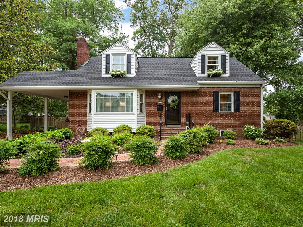 Mid-Market Detached-home Listed For $689,000 In Northern Virginia thumbnail