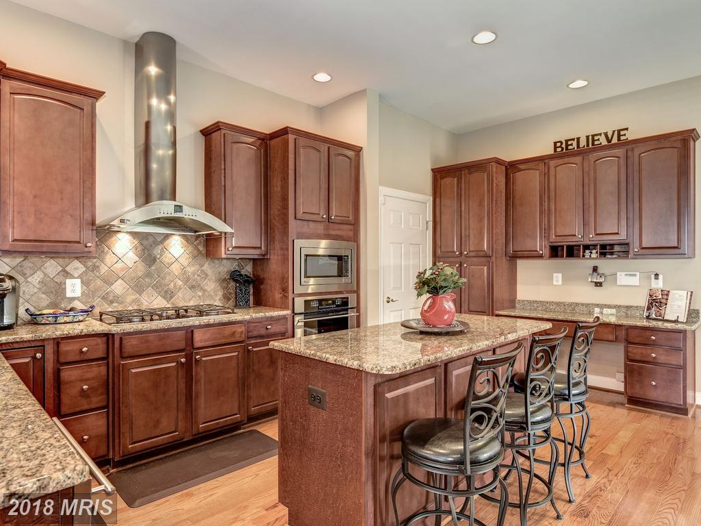 Remarkable Photographs And Pictures At Kingstowne In 22315 In Fairfax County thumbnail