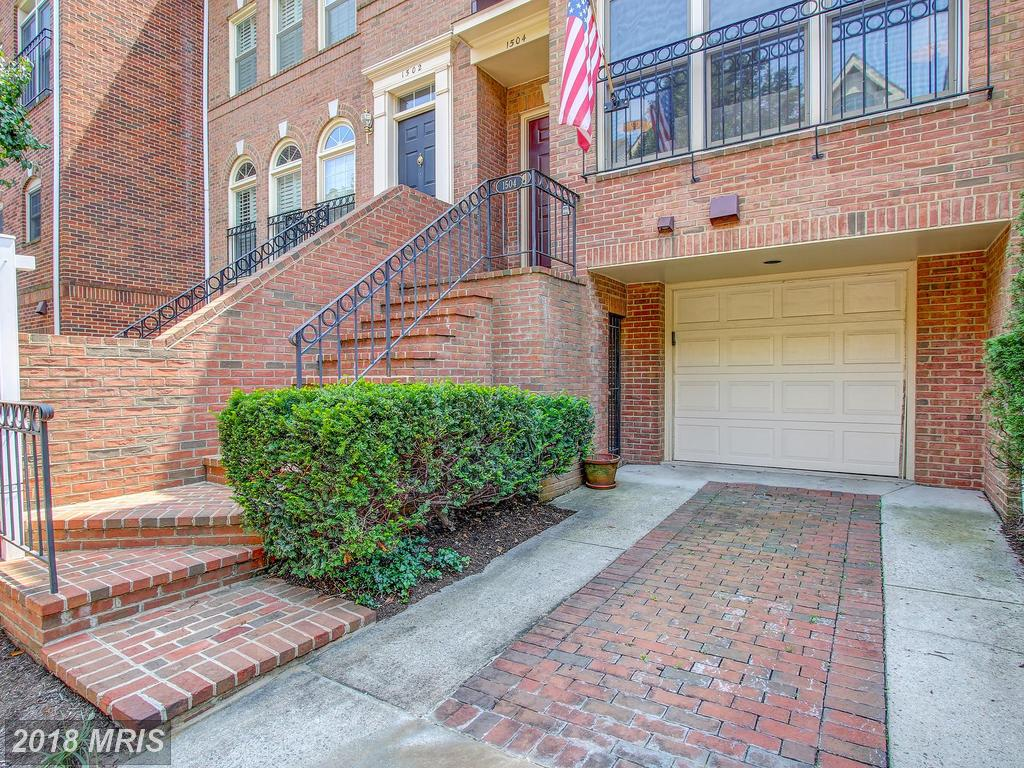1504 Colonial Ct