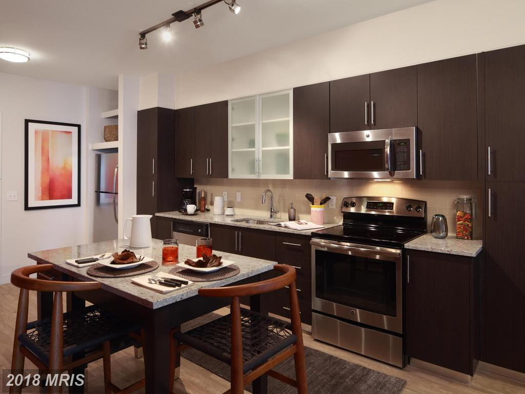 $4,090 :: 2 Bedroom Real Estate, Not Far From Court House Metro thumbnail