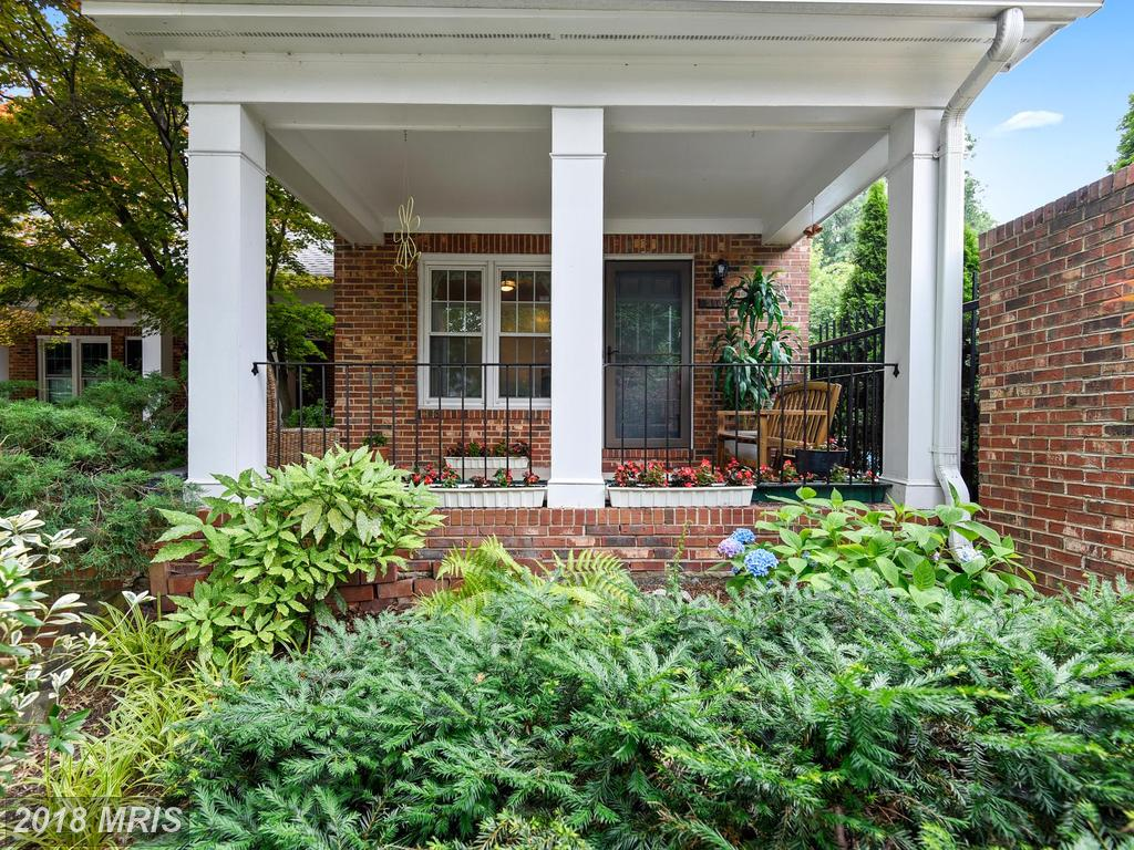 2504 South Walter Reed Dr #3/C, Arlington, VA 22206