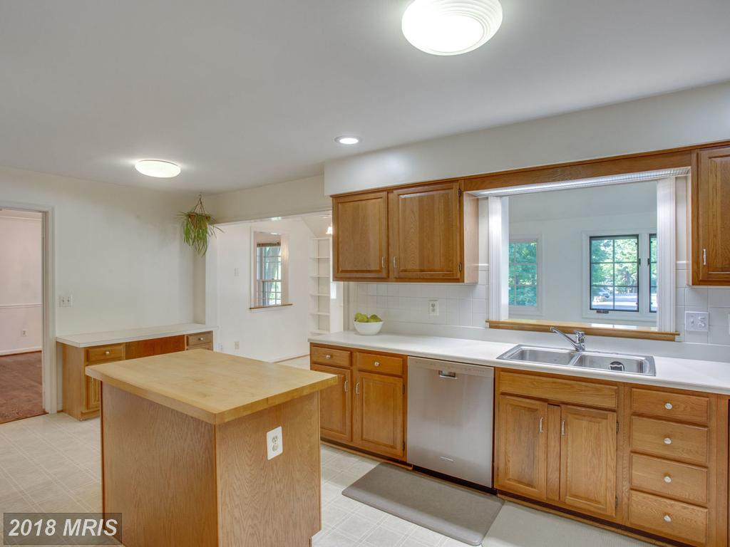 Photo of 1304 Colvin Forest Dr