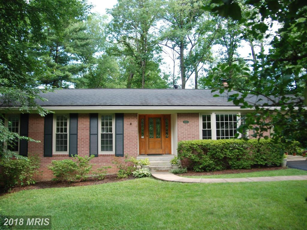 $630,000 In 22003 In Fairfax County At Chapel Square West // 4 Beds // 3 Full Baths - 0 Half Baths thumbnail