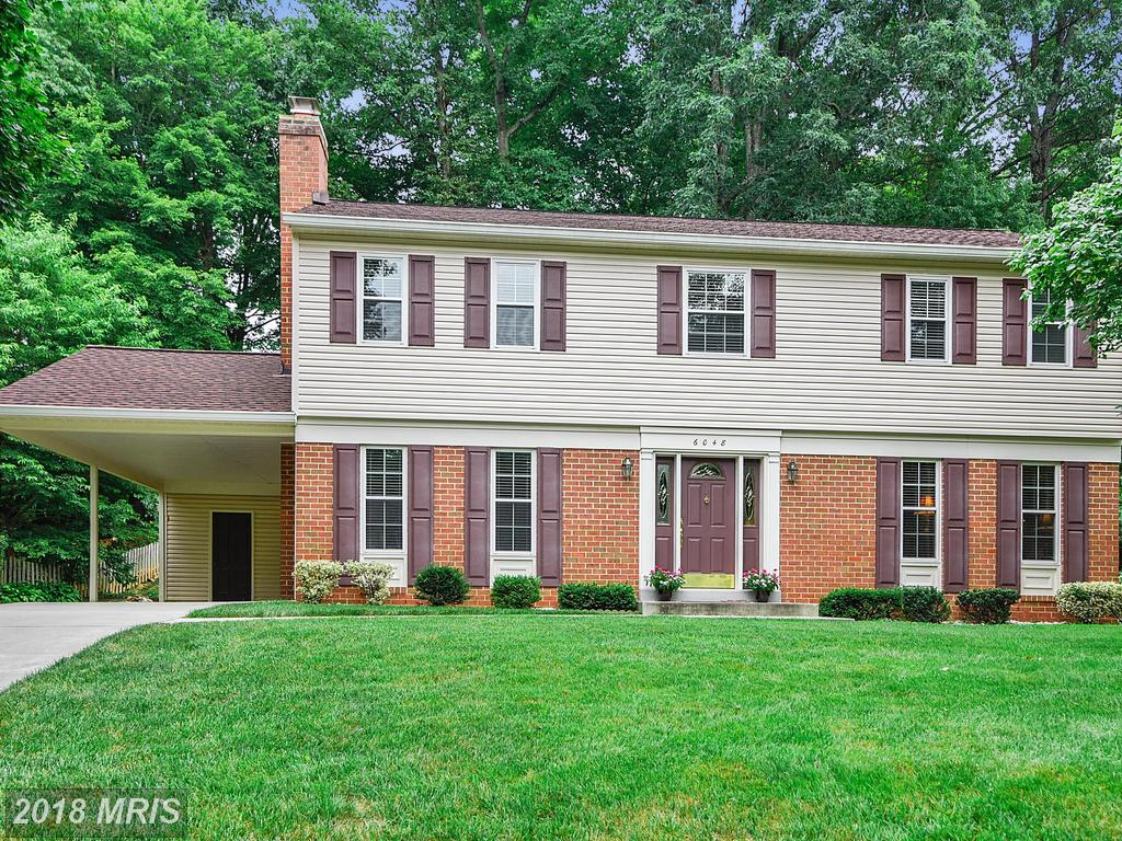 Mid-sized House In 22015 In Fairfax County thumbnail
