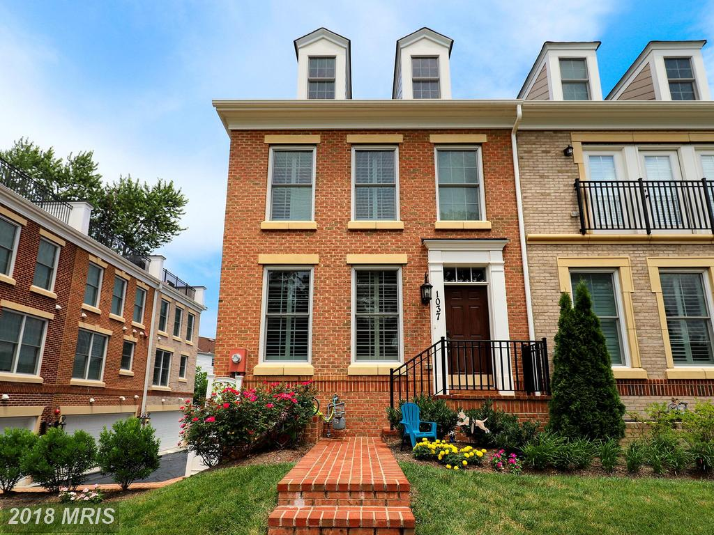 Premium Townhouse With Garage Parking On The Market At $995,000 In 22205 In Arlington County thumbnail