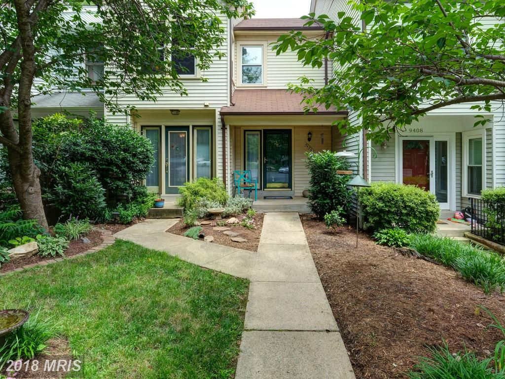 Check Out This Mid 20th-Century 3-Bedroom Townhouse On The Market In 22015 In Burke thumbnail