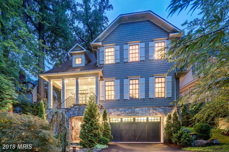Basic Information About Craftsman-Homes In 22207 In Arlington County thumbnail
