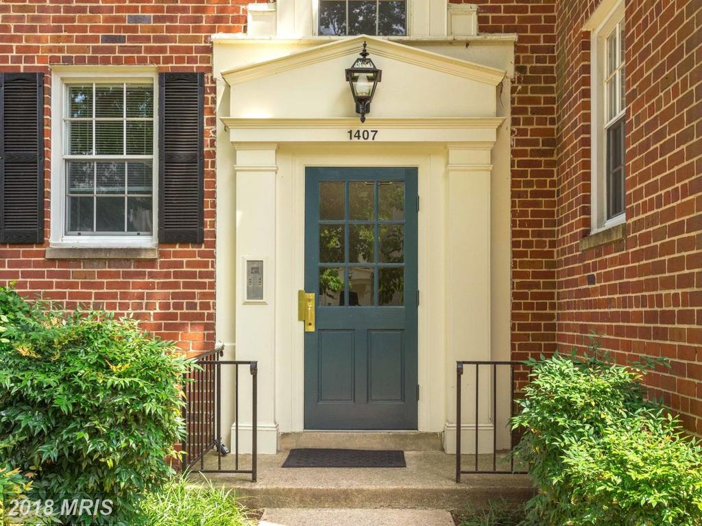 Small 2-Bedroom Traditional Advertised For Sale At $264,000 In 22307 In Alexandria thumbnail