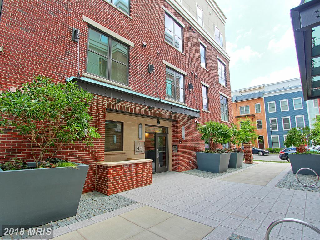 $2,250 :: 815 Patrick St N #406 Alexandria Virginia 22314 Not Far From Braddock Road Metro Station thumbnail