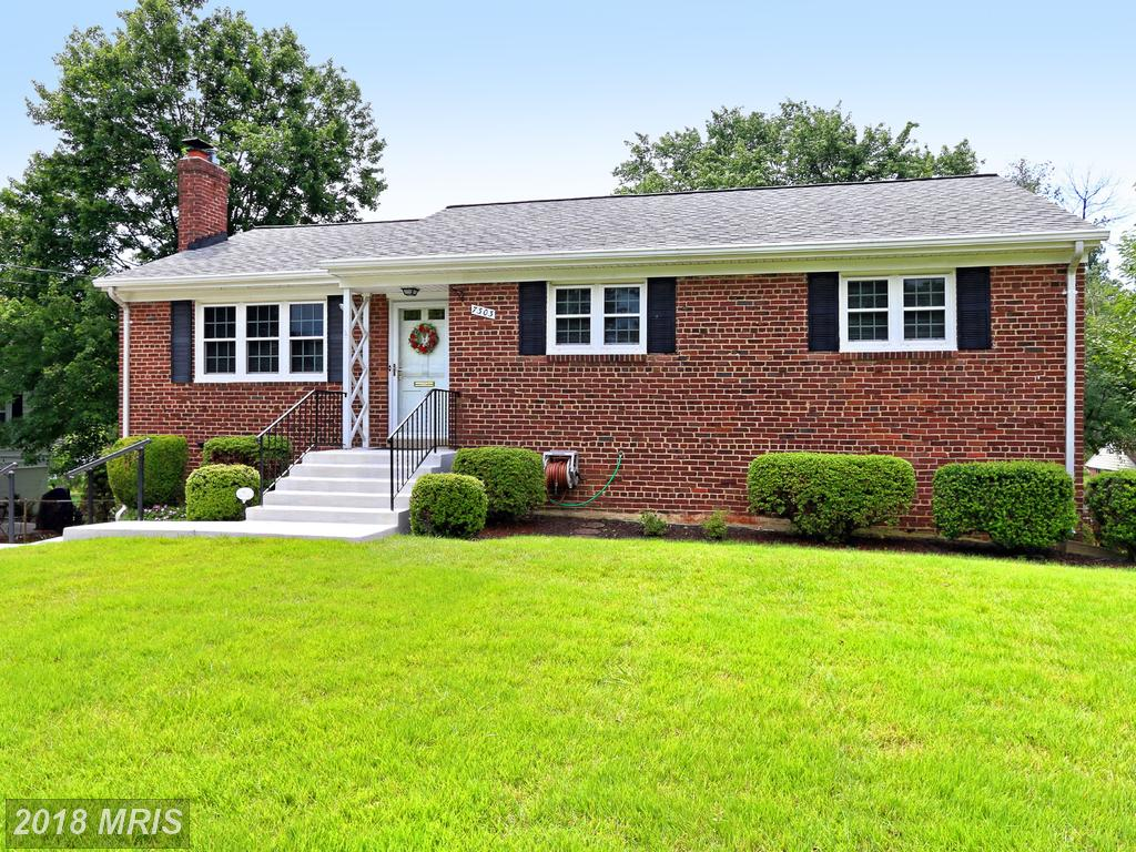 Prices And Pictures Of 7303 Inzer St Springfield VA 22151  |-|  $525,000 thumbnail