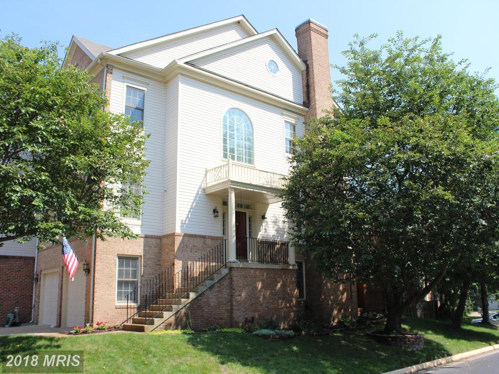 Mid-Market Residence On The Market With Garage In Northern Virginia thumbnail