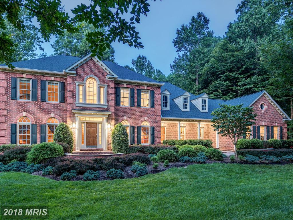 Can You Purchase A Pristine 4 Bedroom Colonial In Clifton For $1,199,000? thumbnail