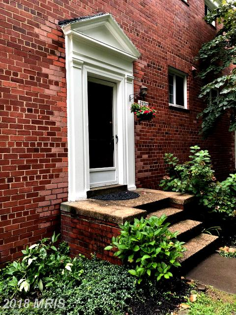 $289,900 Townhouse At 3327 Valley Dr In Alexandria VA 22302 thumbnail