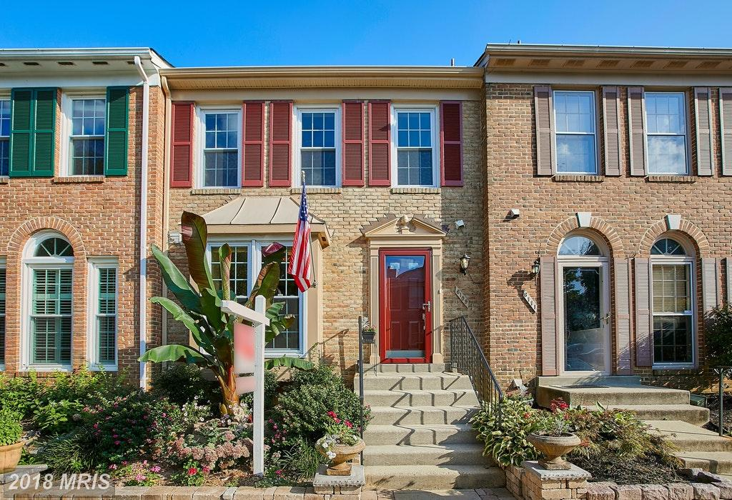 Buying A Townhouse Like 6109 Summer Park Ln In Kingstowne? Love Your Seller. thumbnail