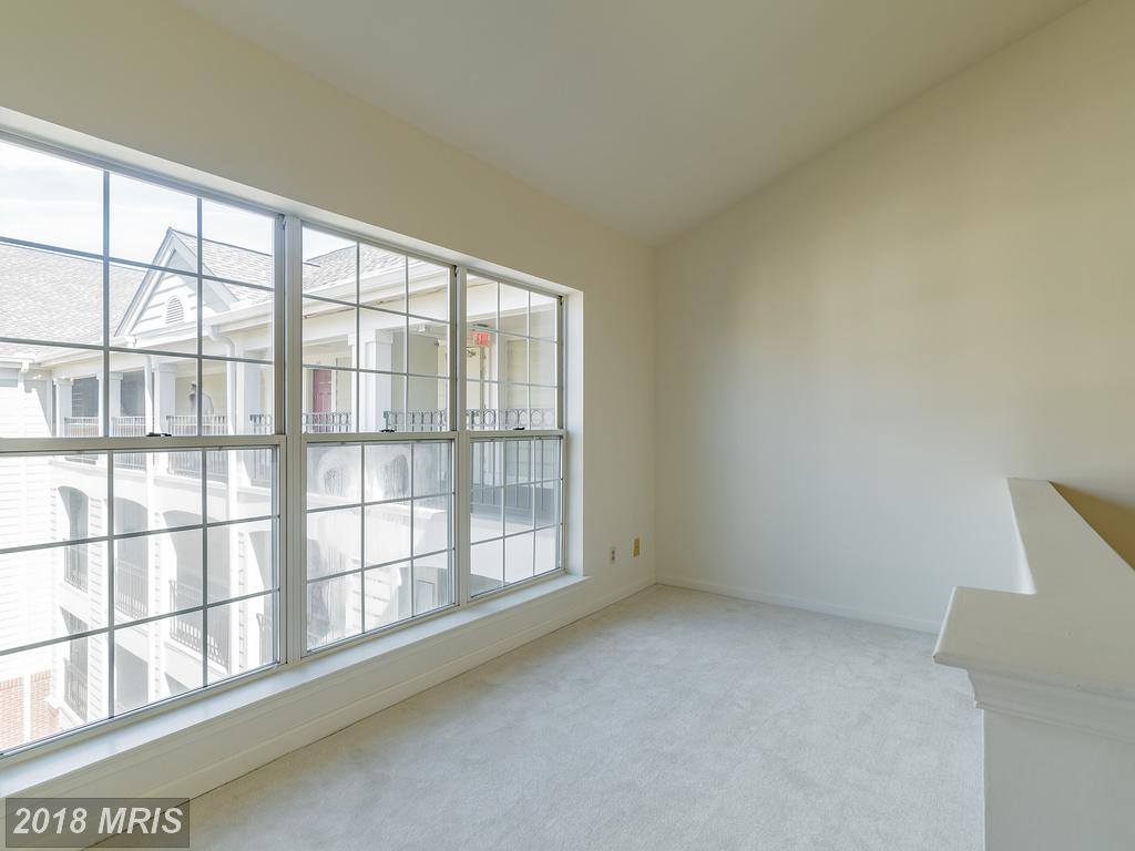 Photo of 1100 Quaker Hill Dr #412