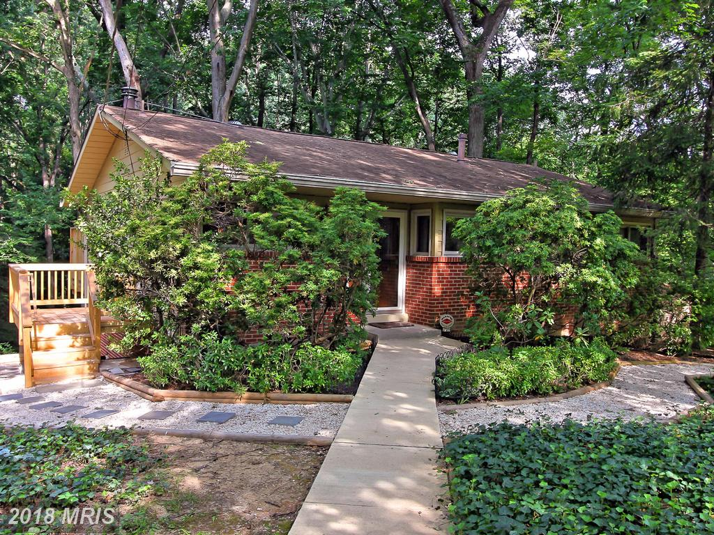 Mid 20th-Century Single-Family Residence Advertised For Sale For $525,000 In Springfield thumbnail