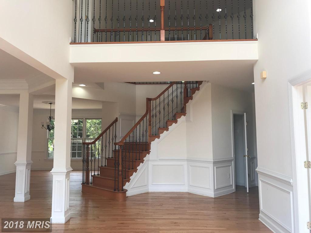 8914 Grist Mill Woods Ct