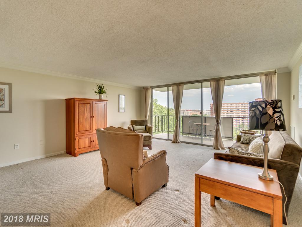 $374,000 In Arlington At Pentagon Ridge // 956 Sqft Of Living Area thumbnail