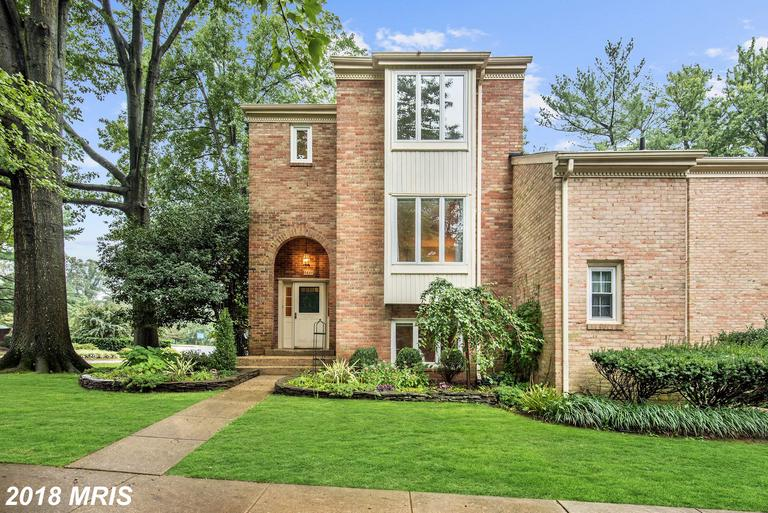 4-BR 3 BA Traditional Listed At $725,000 In 22043 In Falls Church thumbnail