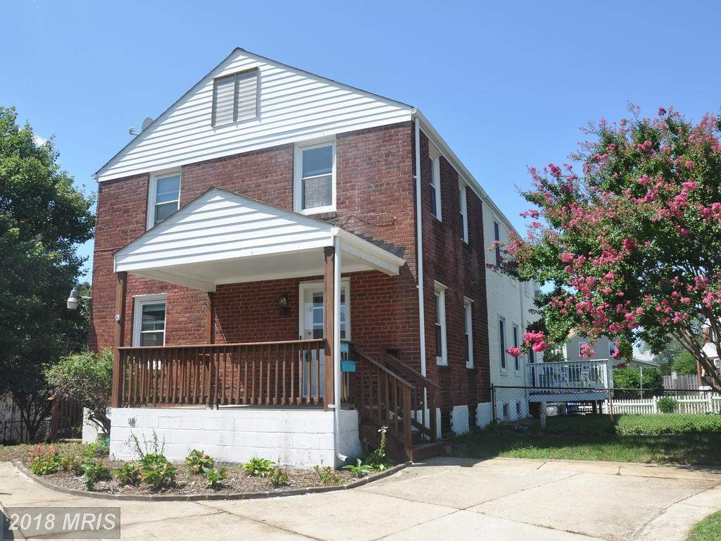 Walking Distance Huntington Metro // 18 Days On Market In 22303 - $1,900 thumbnail