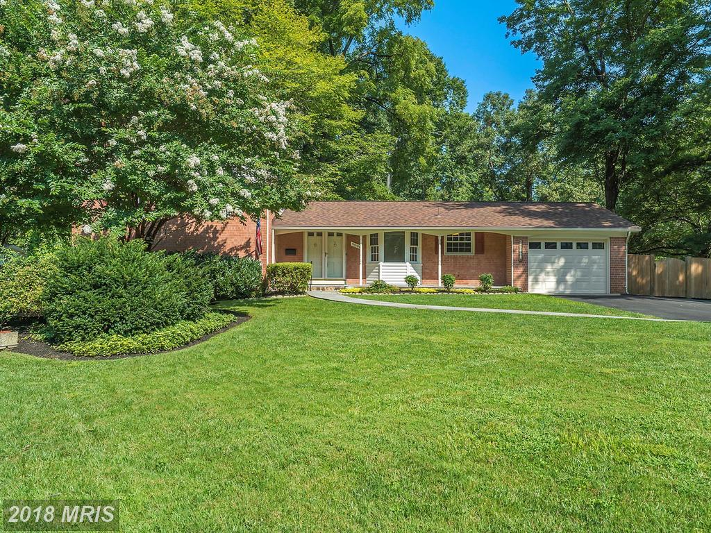Mid 20th-Century House Advertised For Sale For $599,900 In Annandale thumbnail