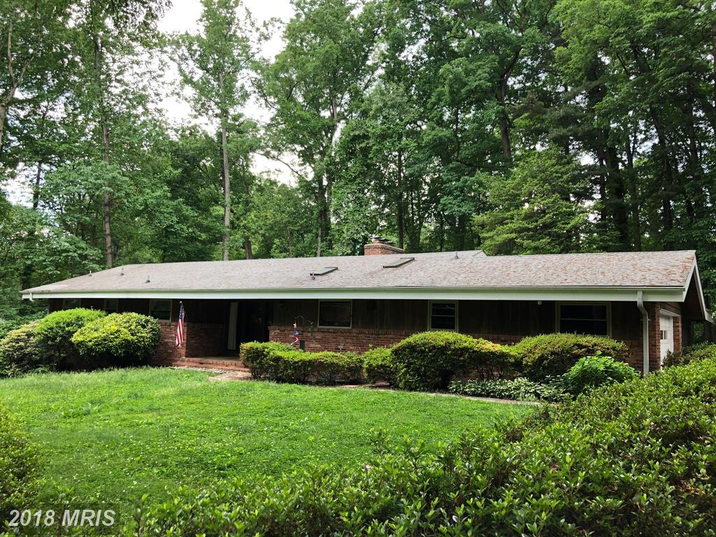 Mid 20th-Century House Listed For $724,900 In Annandale thumbnail