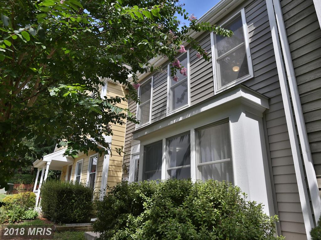 Save $1,465 On 3-bedroom Colonial-style Townhouse In 20194 thumbnail