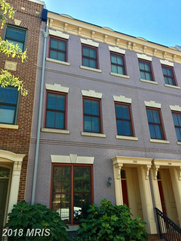 Find A Great Deal On A Super Luxury 3 BR Townhouse Around King St. Metro Stop In 22314 In The City Of Alexandria thumbnail