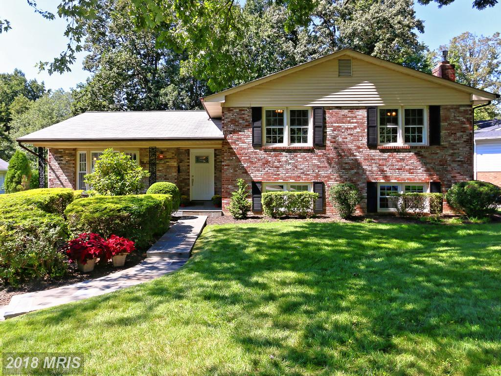 $720,000 In 22003 In Fairfax County At Camelot Heights // 1,768 Sqft Of Living Area thumbnail