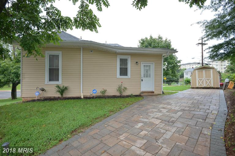 Mid-Market Bungalow-Style Home On The Market In 20110 In The City Of Manassas thumbnail