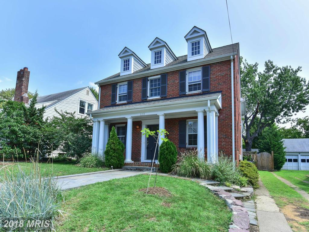 Take A Gander At This 2,293 Sqft 4 BR Residence Available For Rent In 22204 thumbnail