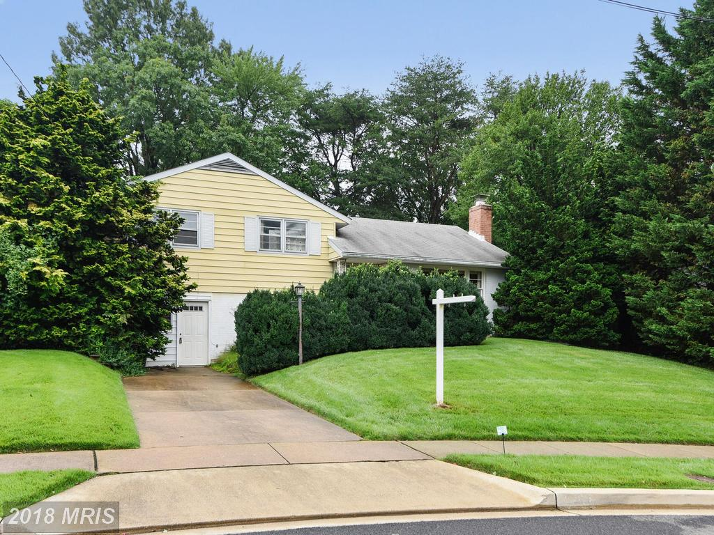 $440,000 In 22003 In Annandale At Crestwood Manor // 3 Beds // 1 Full Baths - 1 Half Baths thumbnail