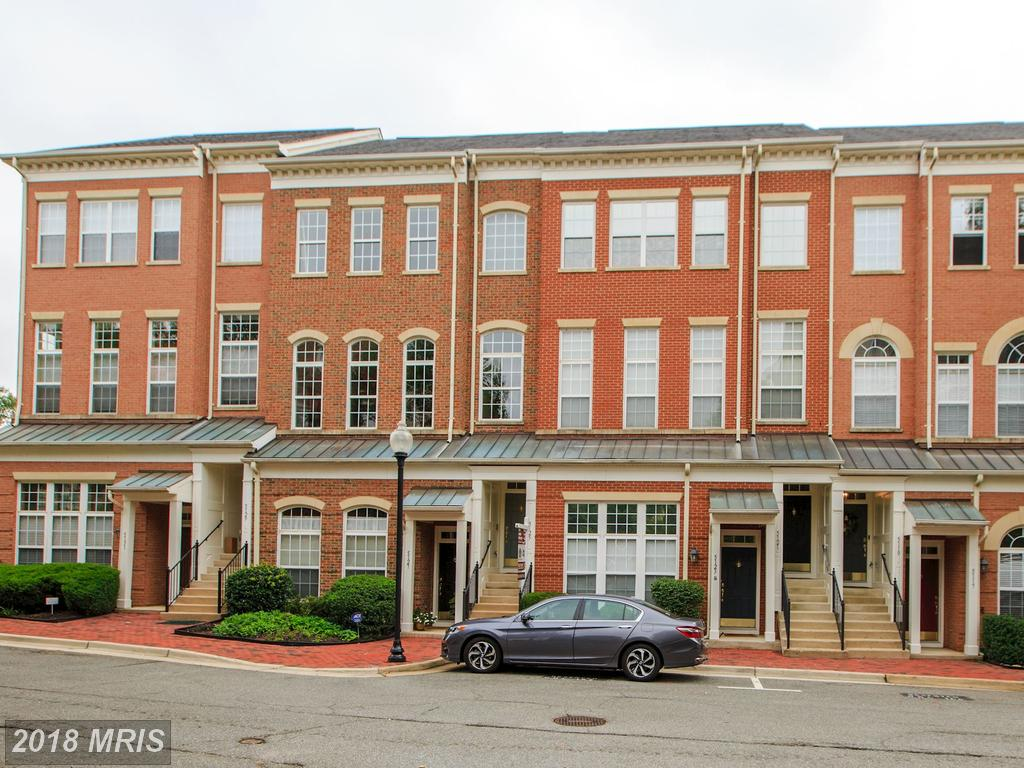 Save $3,066 On A 3-bedroom Colonial-style Townhouse At 5125 Donovan Dr In Alexandria thumbnail