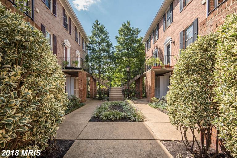 2 BR / 2 BA Real Estate For Sale At $457,000 In 22204 In Arlington County thumbnail
