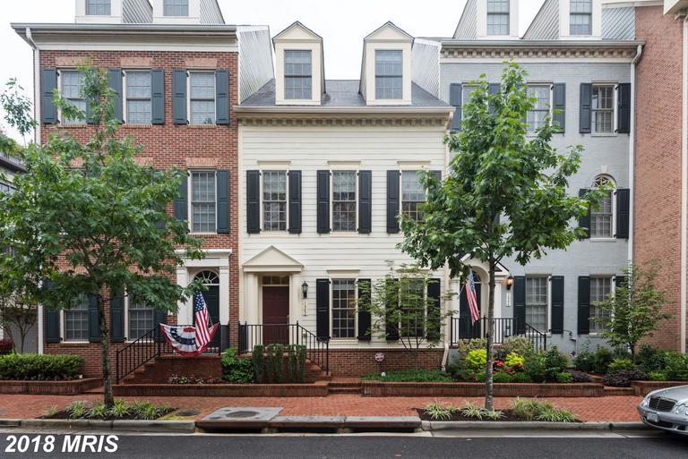 1842 Carpenter Rd, Alexandria, VA 22314
