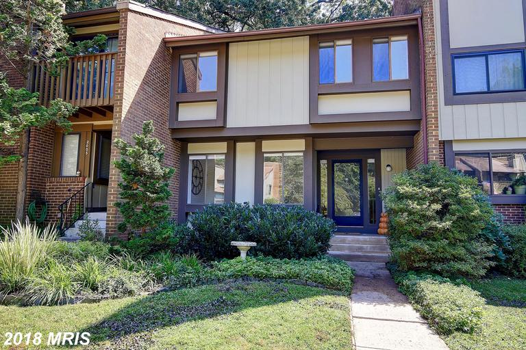 Mid-sized 3-Bedroom Townhome Listed $449,000 In Reston, Virginia thumbnail
