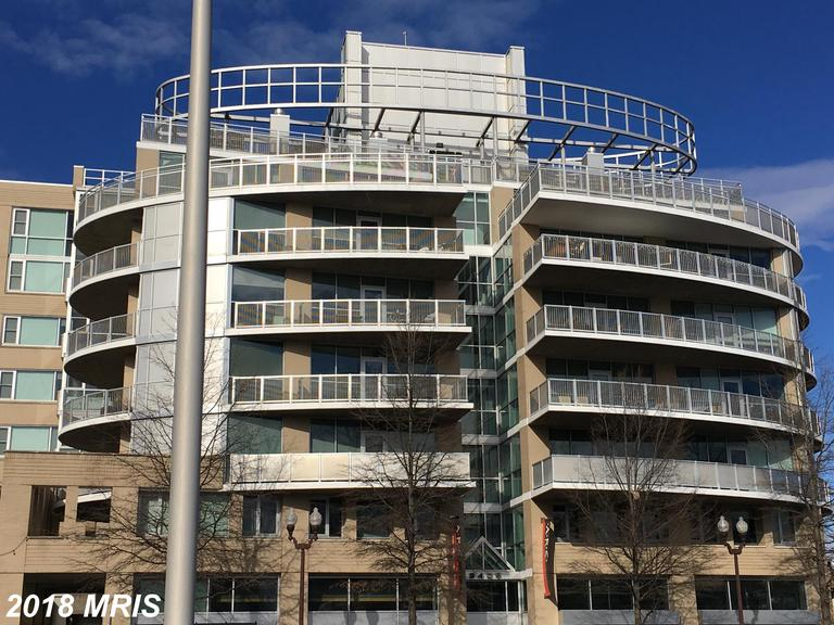 Not Far From Virginia Square/GMU  // 17 Days On Market In 22201 - $2,800 thumbnail