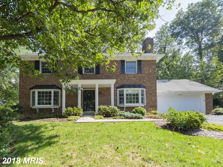 Mid-sized Single-Family Home Listed For Sale For $650,000 In Fairfax County thumbnail