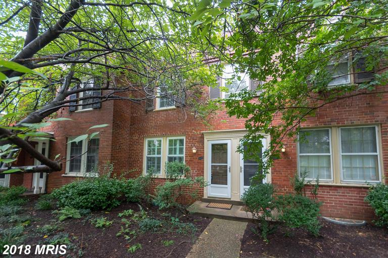 2 BR / 1 BA Newly-listed Townhouse For Sale At $389,000 In Arlington, Virginia thumbnail