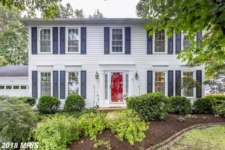 Mid-Market Colonial Residence Listed For Sale Like 9505 Sailcloth Pl thumbnail