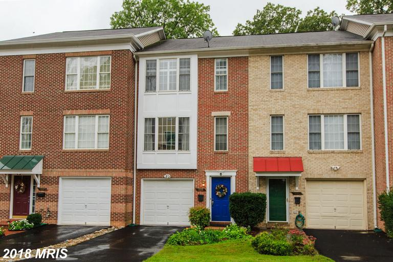 3 BR / 3 BA Townhouse For Sale At $625,000 In Arlington thumbnail