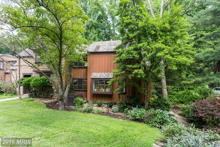 4-bedroom Contemporary-style Real Estate On The Market At $472,000 In Northern Virginia thumbnail