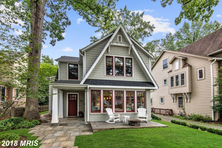 Are You Looking For A $1,675,000 4-bedroom Bungalow-style Bungalow For Sale In Northern Virginia? thumbnail