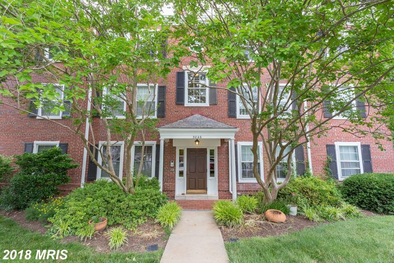 Military Home Buyers Can Save $1,033 On A Garden-Style Condo Like 3046 Abingdon St S #C2 In 22206 In Arlington thumbnail