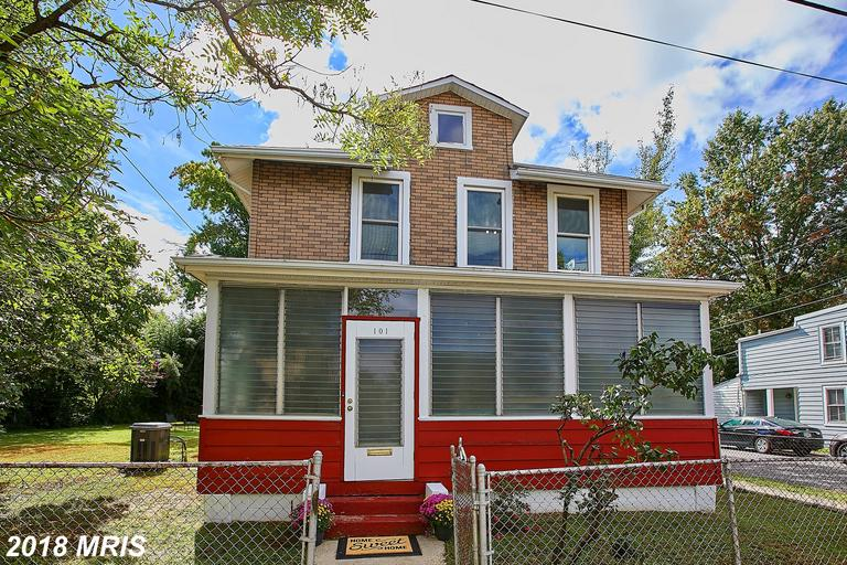 3 BR / 1 BA Traditional For Sale At $815,000 In Del Ray thumbnail