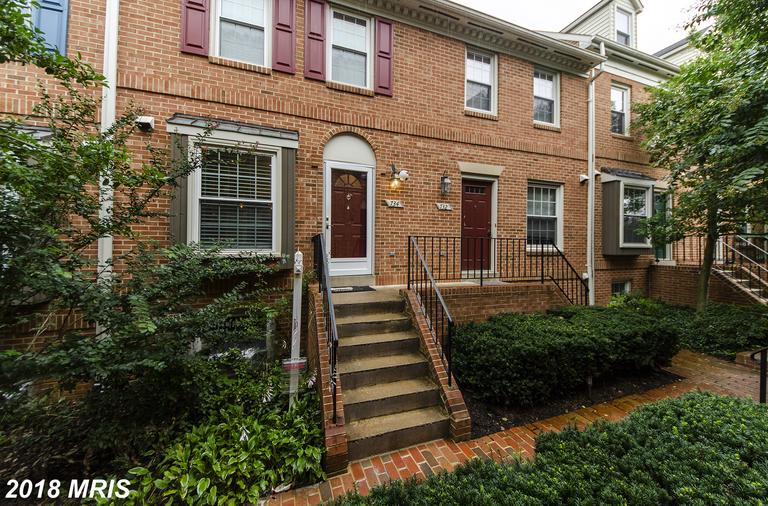 $3,950 In 22203 In Arlington At Close To Metro Station For Rent $3,950 // 3 Beds // 3 Full Baths - 1 Half Baths thumbnail