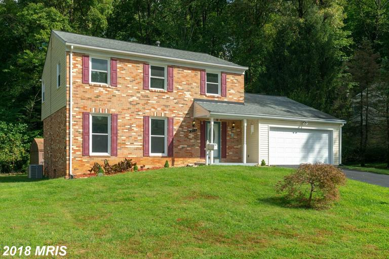 $649,900 In 22003 In Fairfax County At Chapel Glen // 4 Beds // 2 Full Baths - 1 Half Baths thumbnail