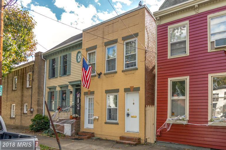 Consider A $1,550 Rental In Alexandria Near Braddock Road With 650 Sqft Of Living Area thumbnail