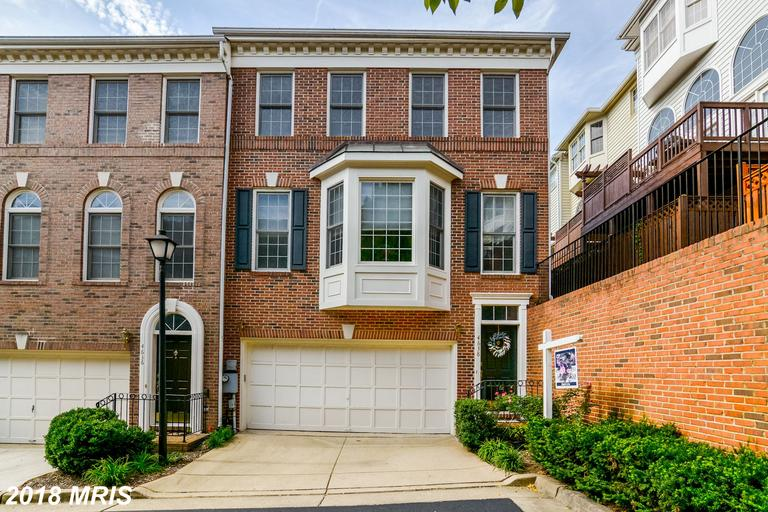 3 BR / 2 BA Newly-listed TownhouseFor Sale At $635,000 In Stonegate thumbnail